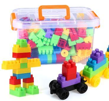 Bộ ghép hình với các hình khối giúp bé phát triển khả năng sáng tạo