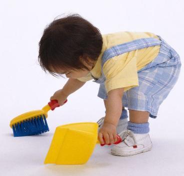 Chổi, hót rác, cây lau nhà mini cho bé học cách làm việc nhà