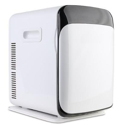 Tủ Lạnh Mini 10L trên ô tô